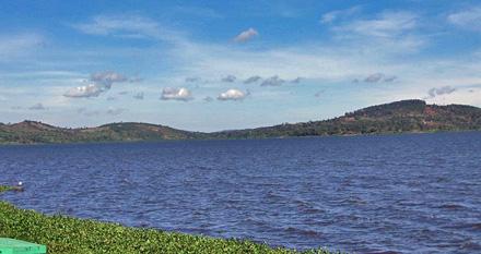 http://www.solutions-site.org/artman/uploads/051109_africa_lake_victoria_440.jpg