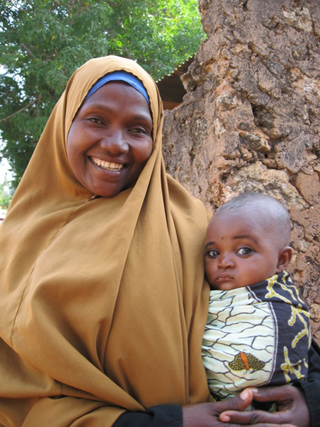 Fatima Khadiru Kamis, Tanzania: Photograph courtesy of Ten Thousand Villages