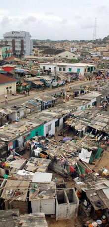 Cape Coast fishing houses and town in Ghana: © SHUTTERSTOCK reprinted from the Report.